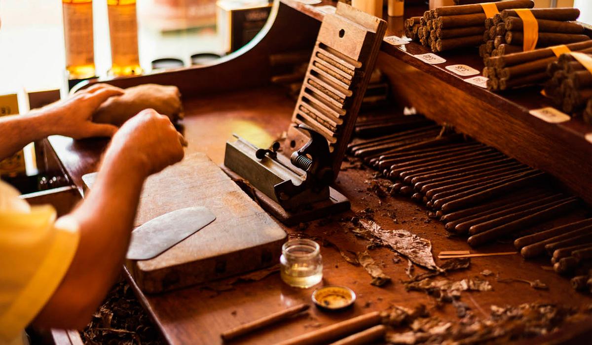 Excursión a La Habana con visita a una fábrica de tabaco