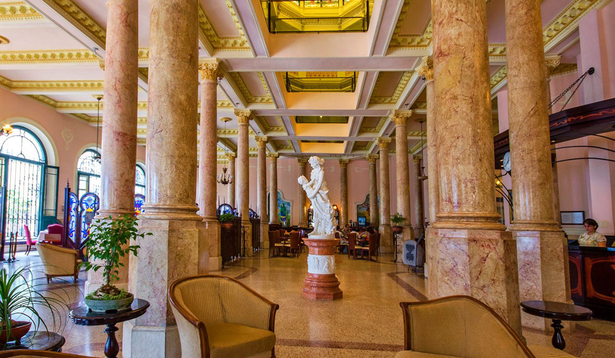 Hotel Raquel- Lobby