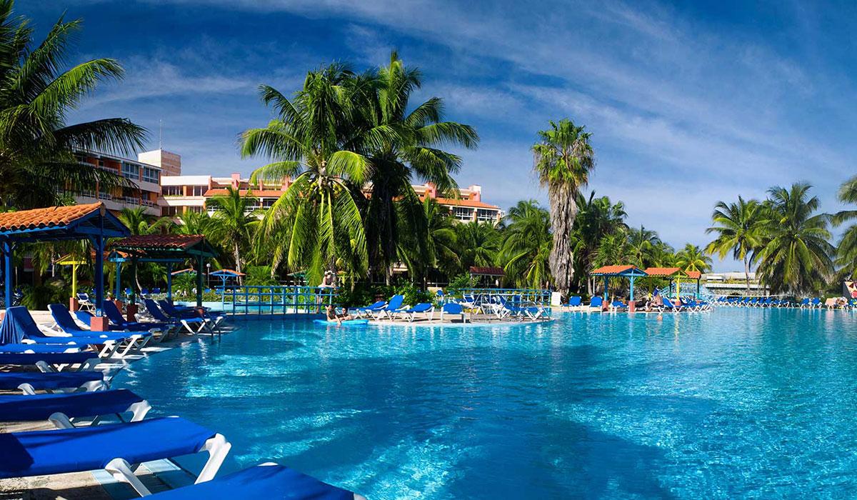 Hotel Arenas Blancas - Pool