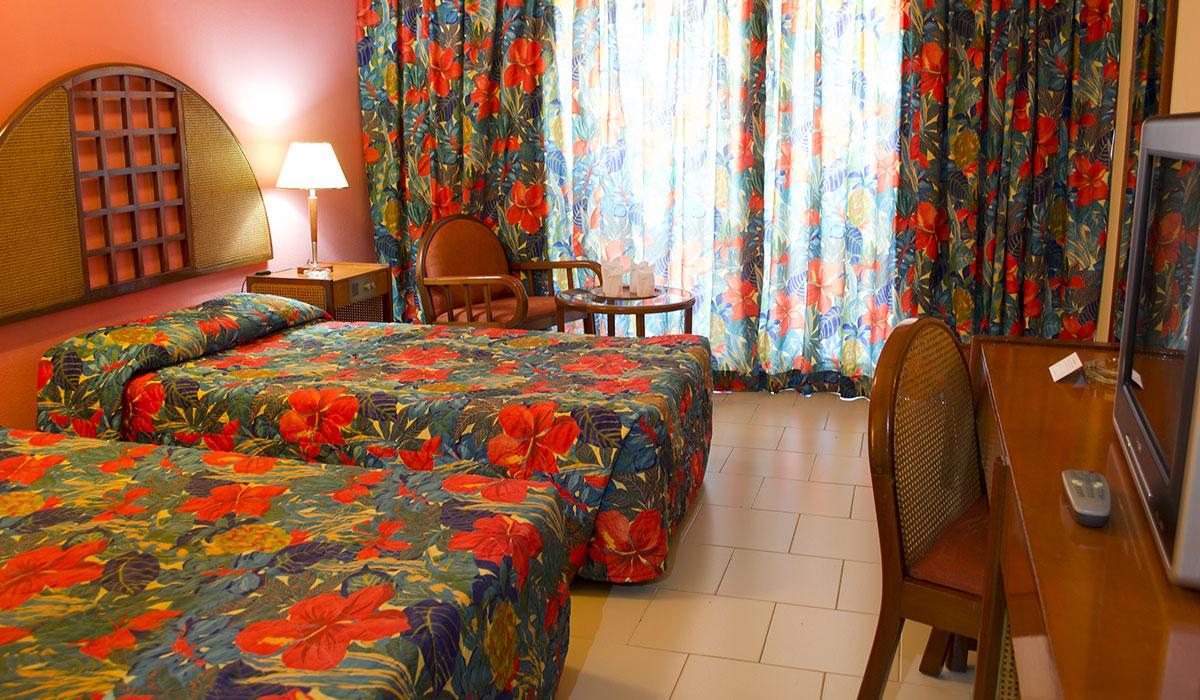 Hotel Brisas Sierra Mar Los Galeones - Habitación