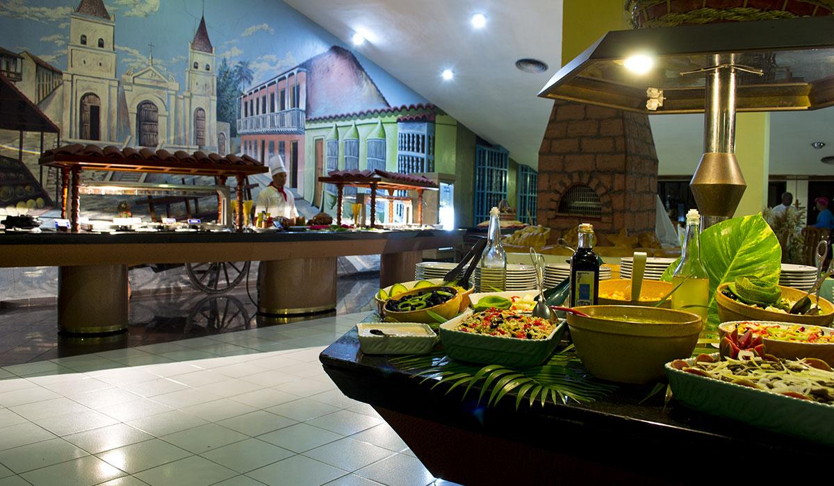 Hotel Brisas Sierra Mar Los Galeones - Buffet