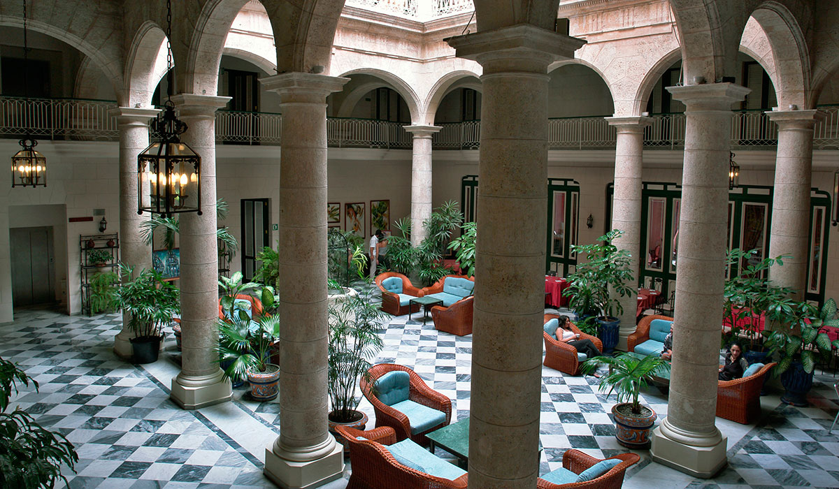 Hotel Florida - patio interior