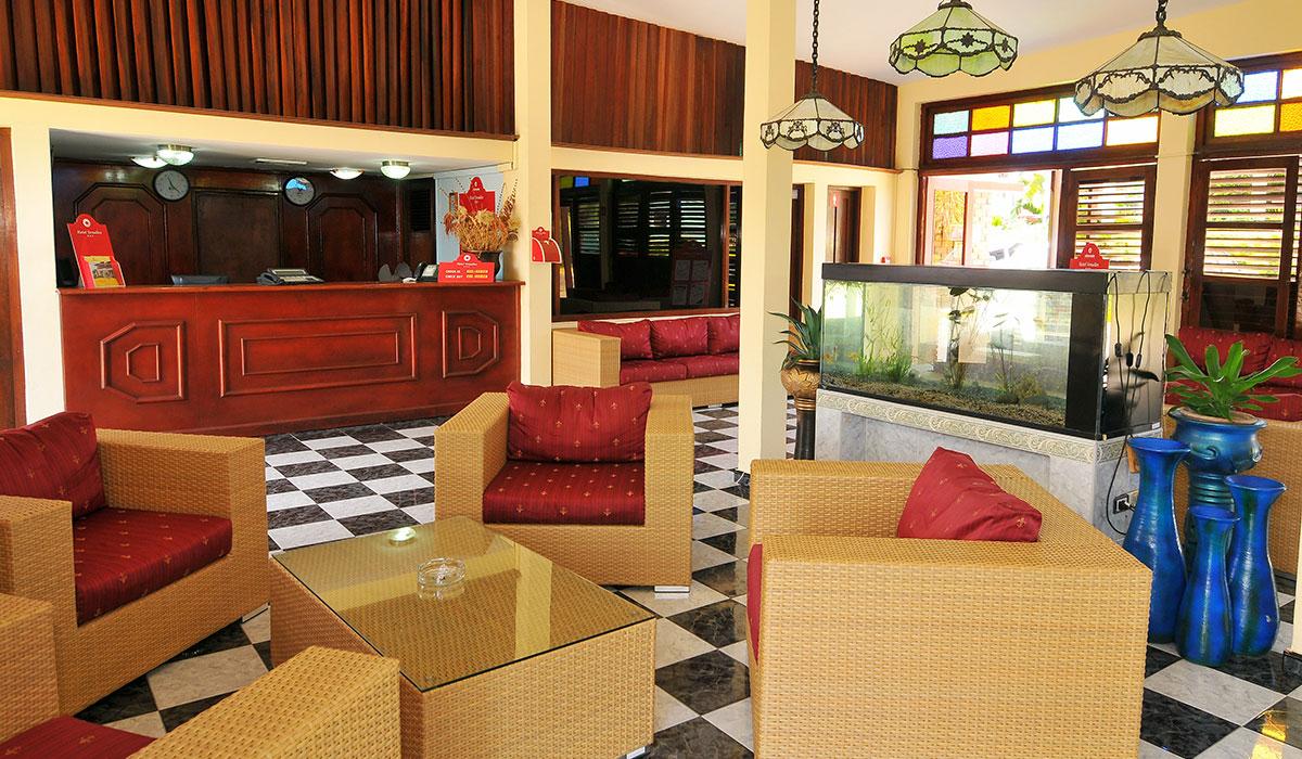 Hotel Cubanacan Versalles - Lobby