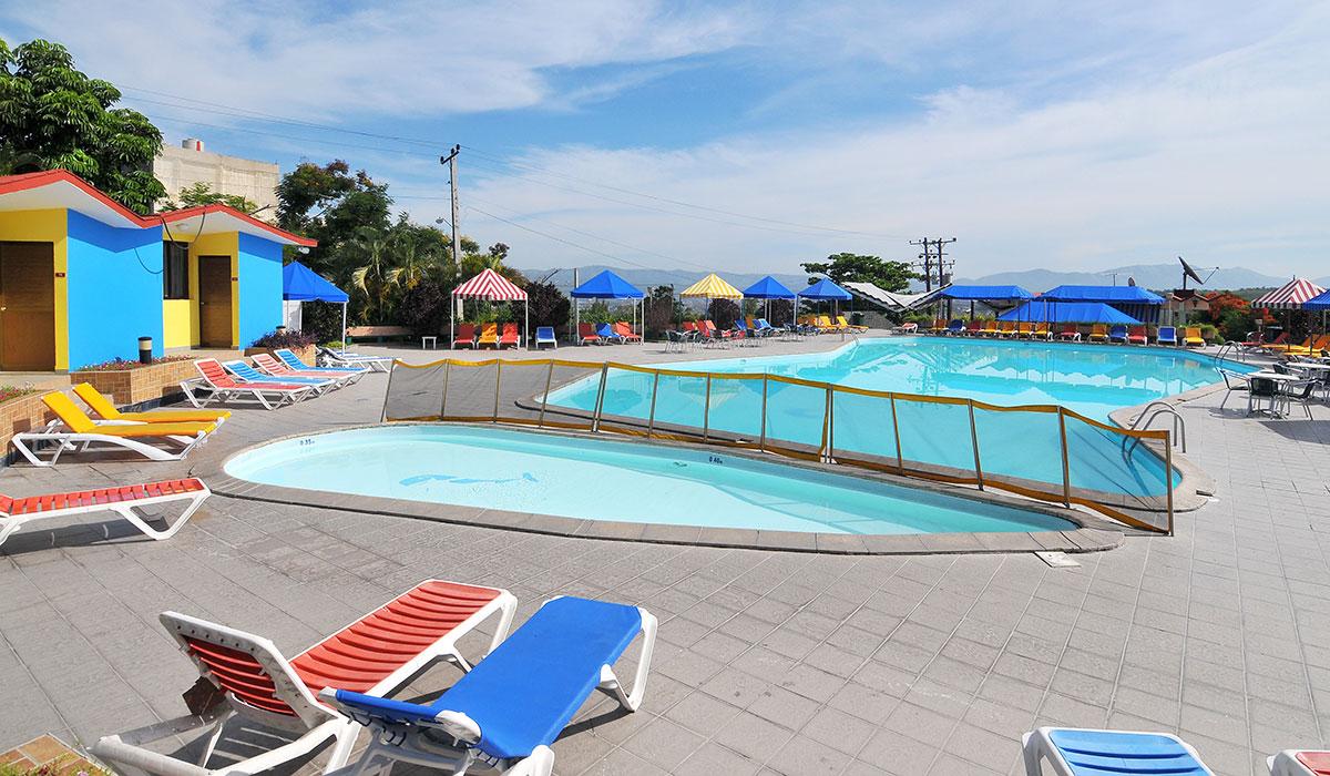 Hotel Cubanacan Versalles - Pool