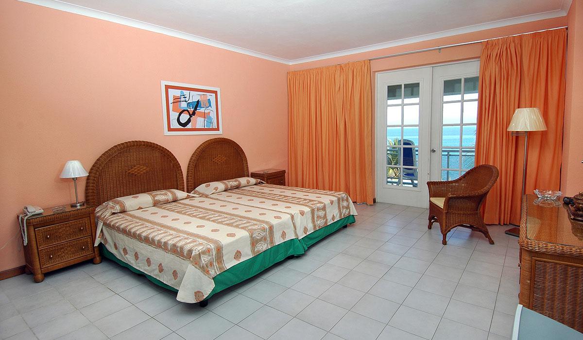 Hotel Comodoro - Room