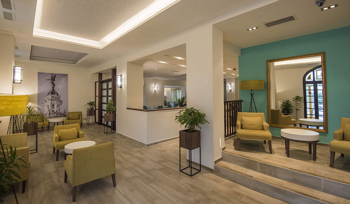 Hotel NH Victoria - Lobby
