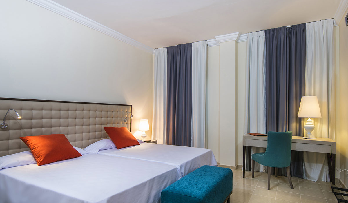 Hotel NH Victoria - Room