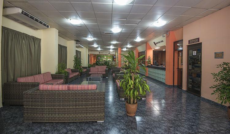 Hotel Saint John´s, Vedado