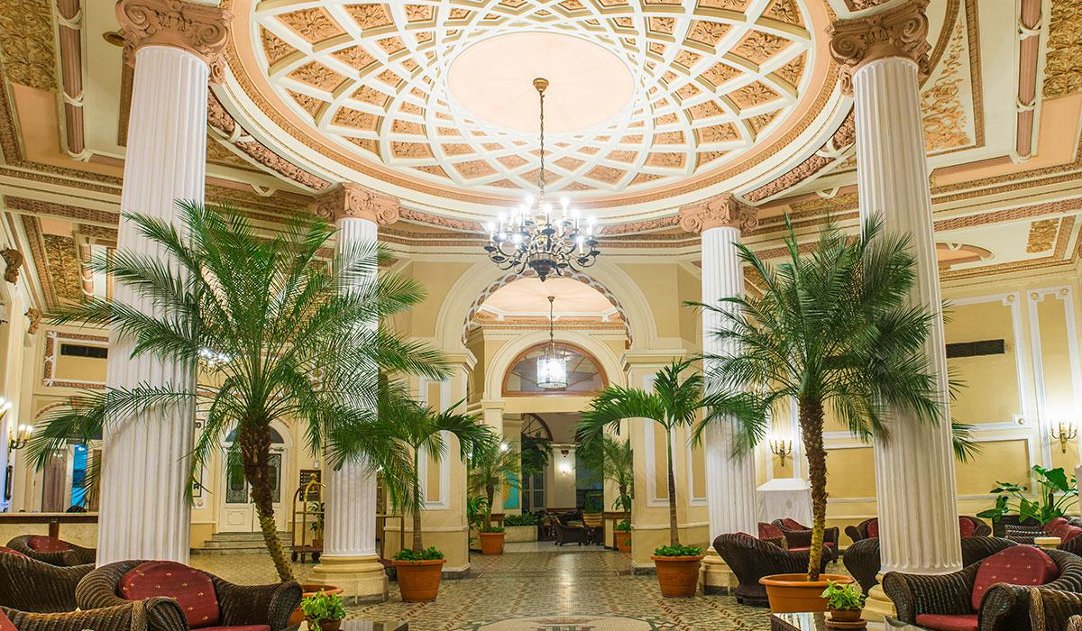 Hotel Plaza - Lobby