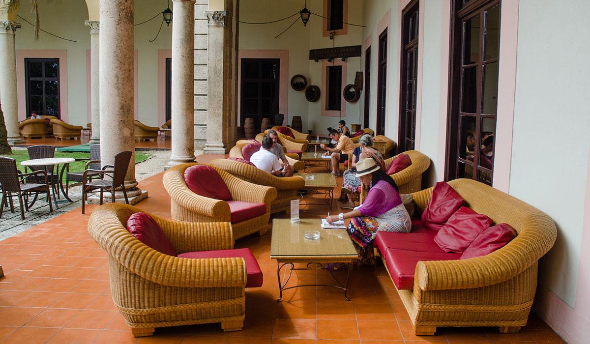 Hotel Nacional de Cuba - Terrace