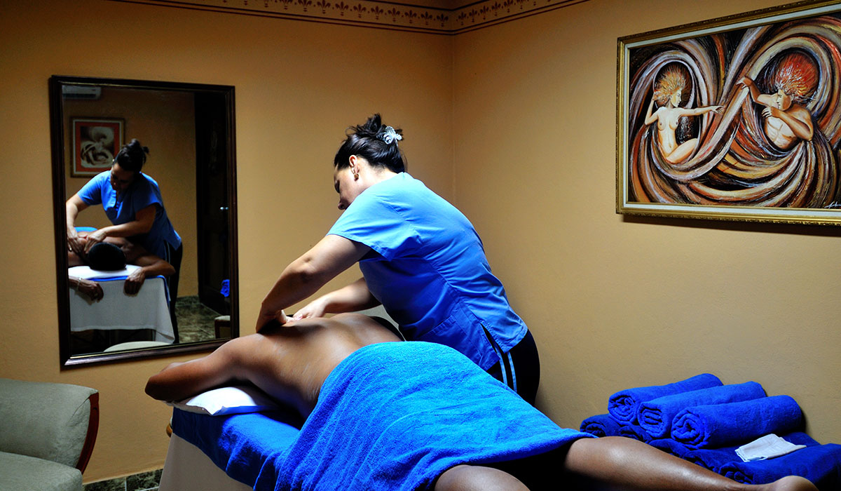 Hotel Club Acuario - Massage