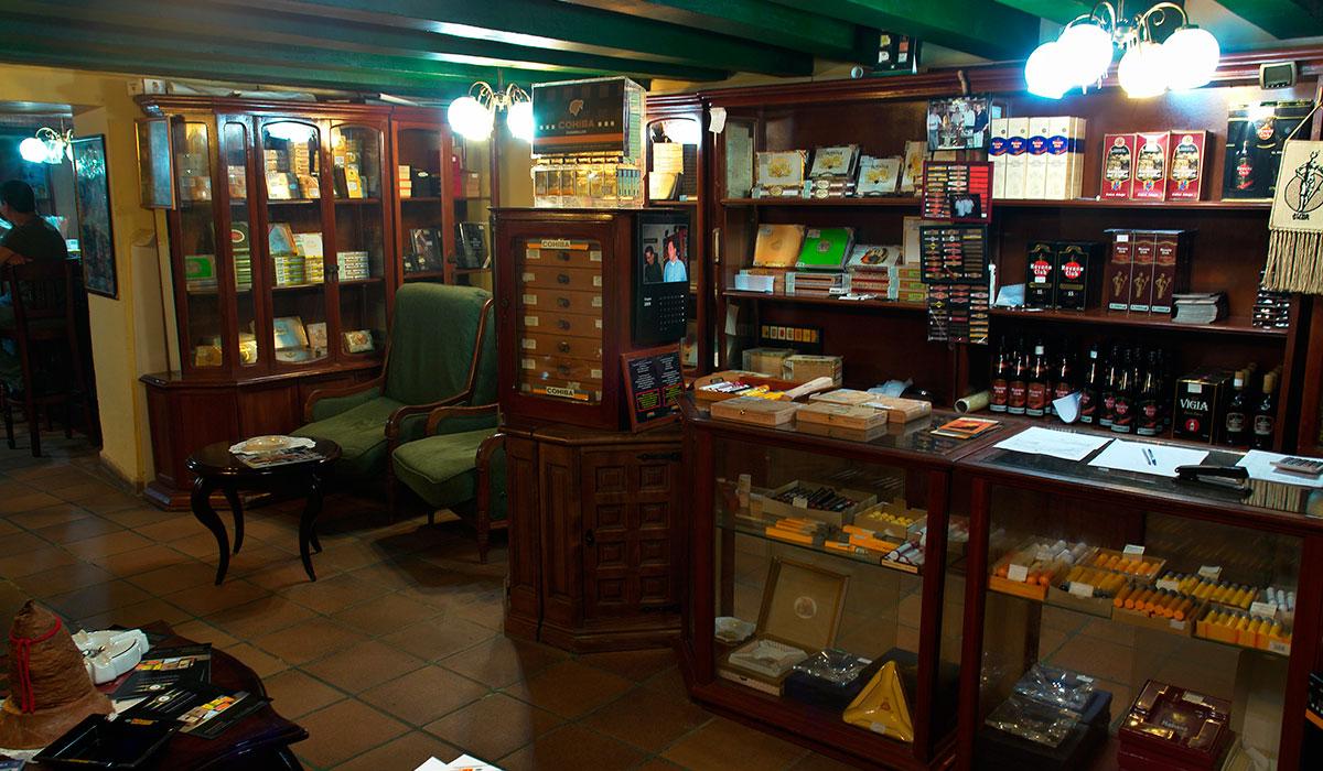 Hotel Conde de Villanueva - Habanos shop