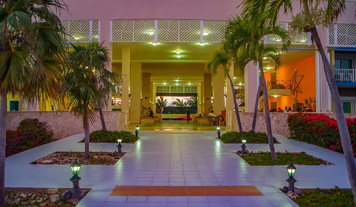 Hotel Bella Isla Resort - Entrance