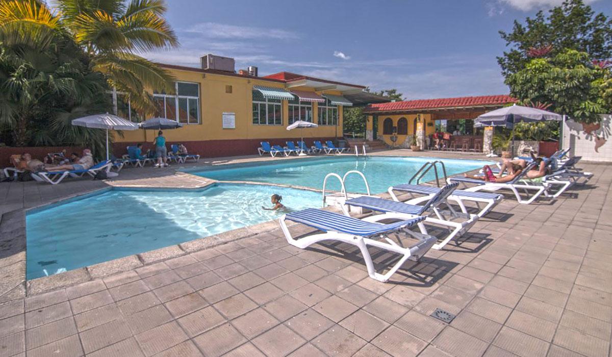 Hotel Las Americas - Piscina