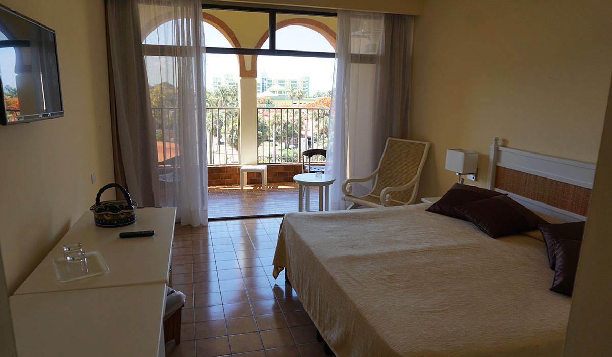 Hotel Starfish Cuatro Palmas - Room