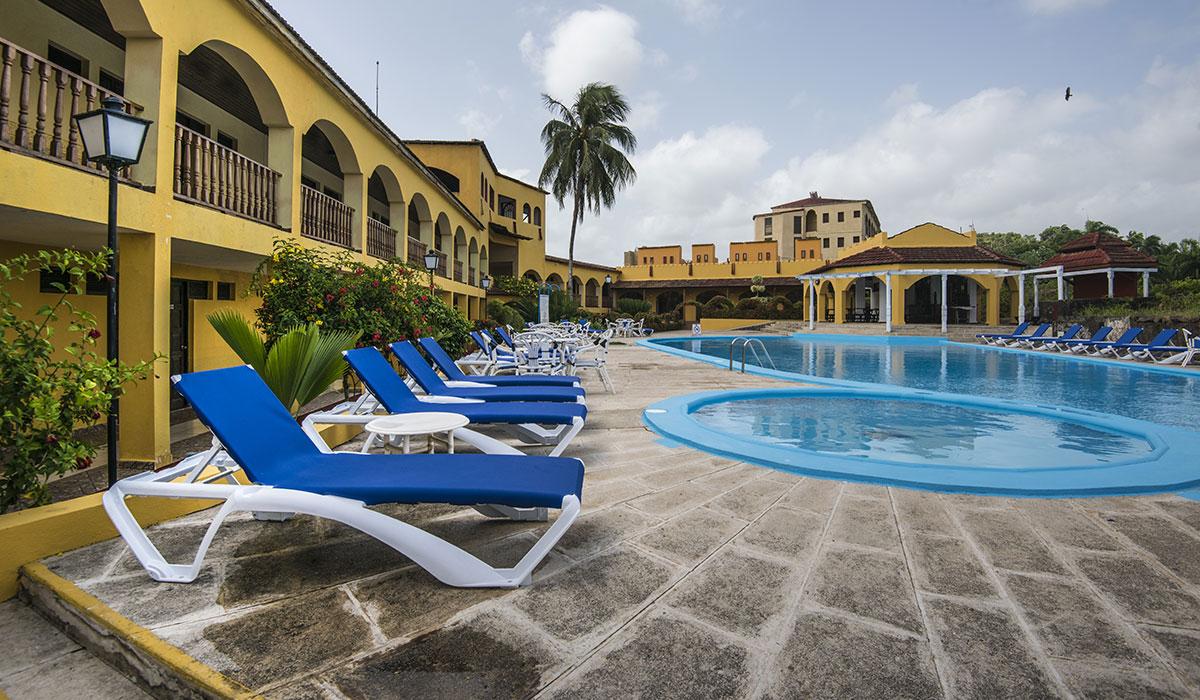 Hotel El Castillo - Piscina