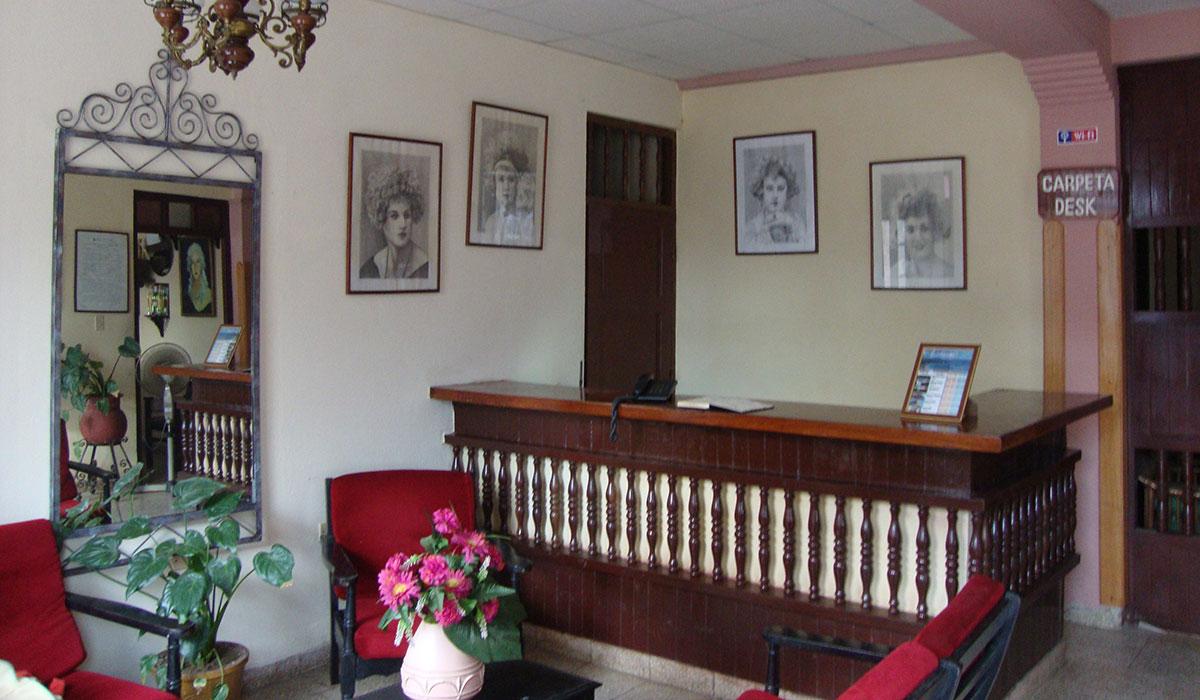 Hotel La Rusa - Desk