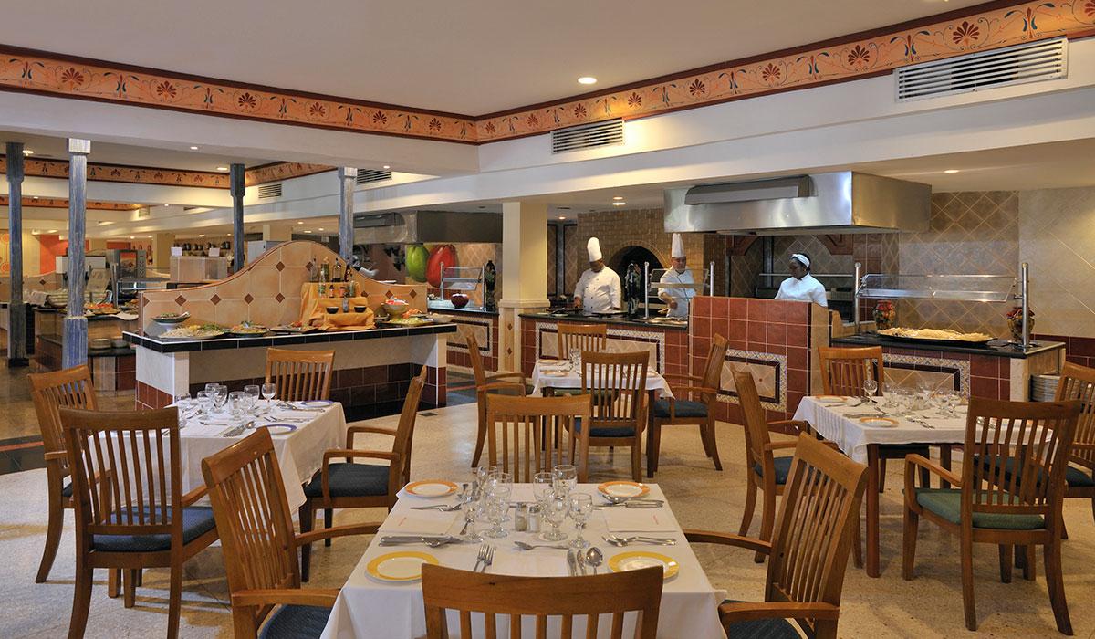 Hotel Sol Sirenas Coral Resort - Restaurant