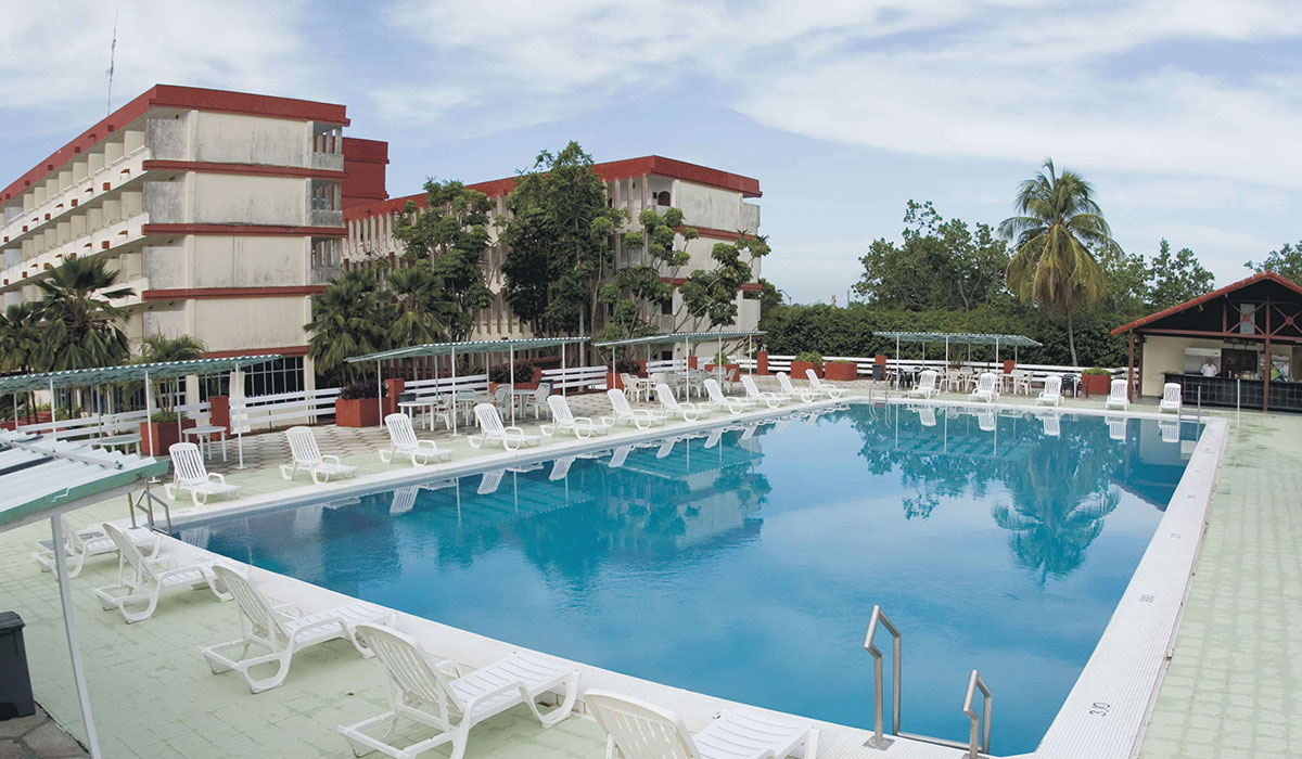 Hotel Morón - Pool