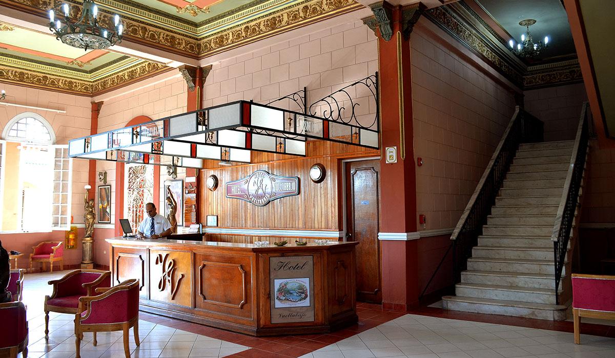 Hotel Vueltabajo - Lobby