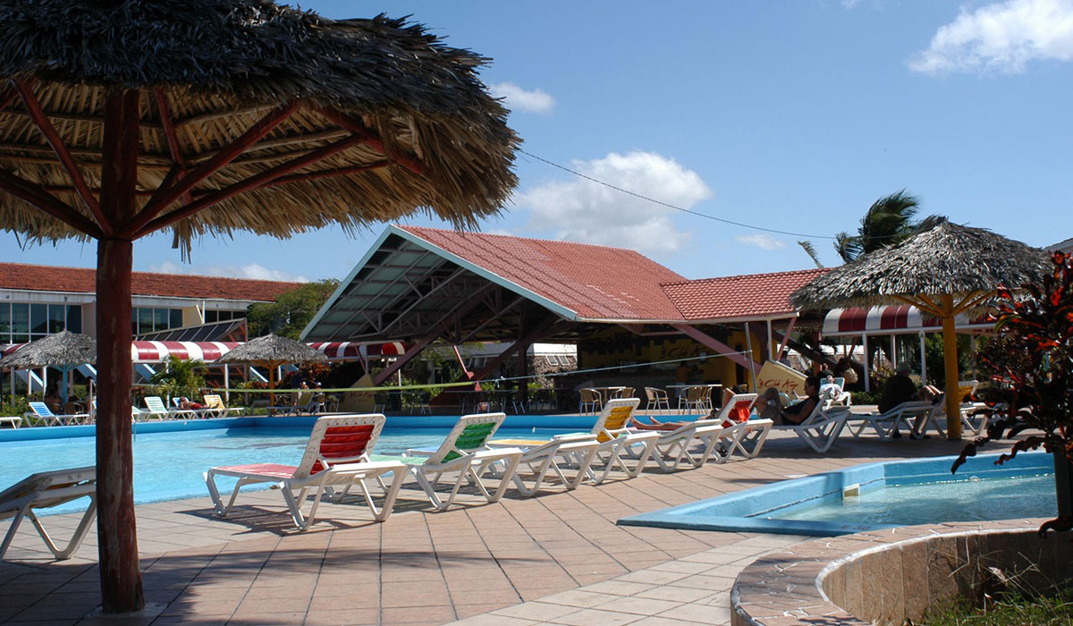Hotel Rancho Luna - Pool