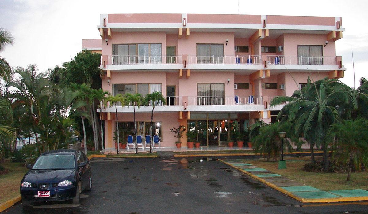 Hotel Faro Luna - fachada