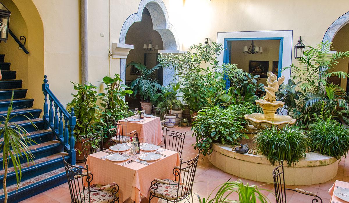 Hotel Encanto del Rijo - Inner backyard