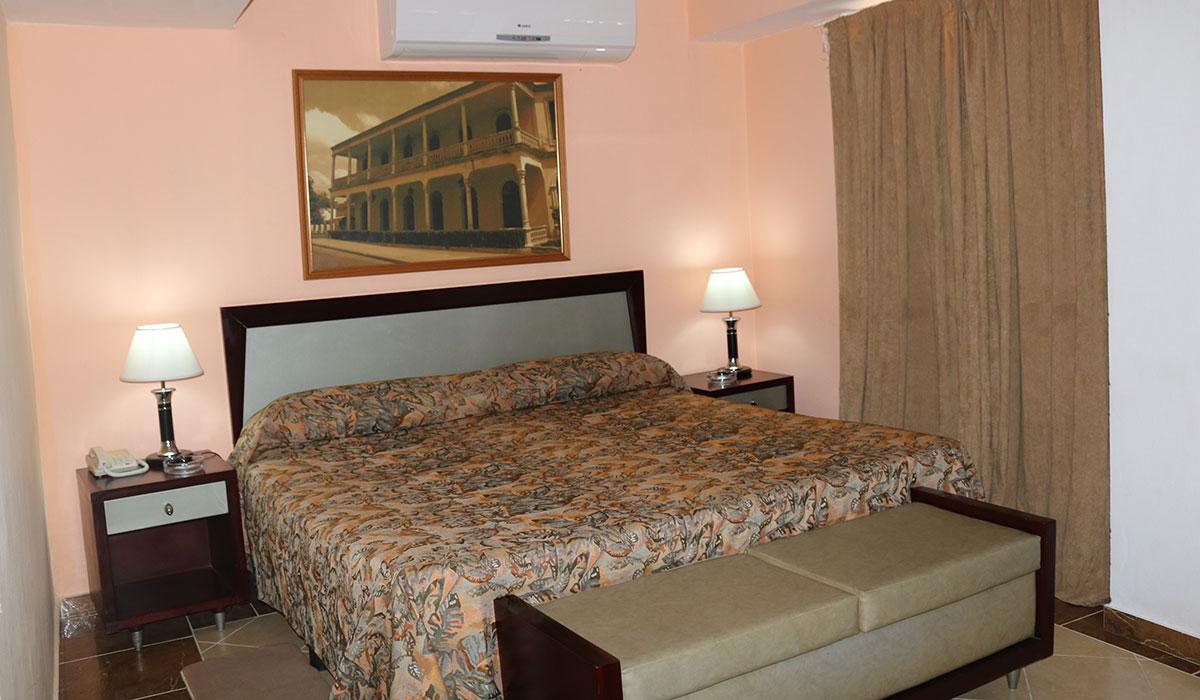 Hotel Islazul Cadillac - Room