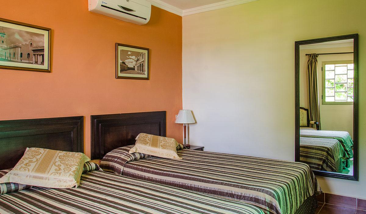 Hotel Encanto Royalton - Room