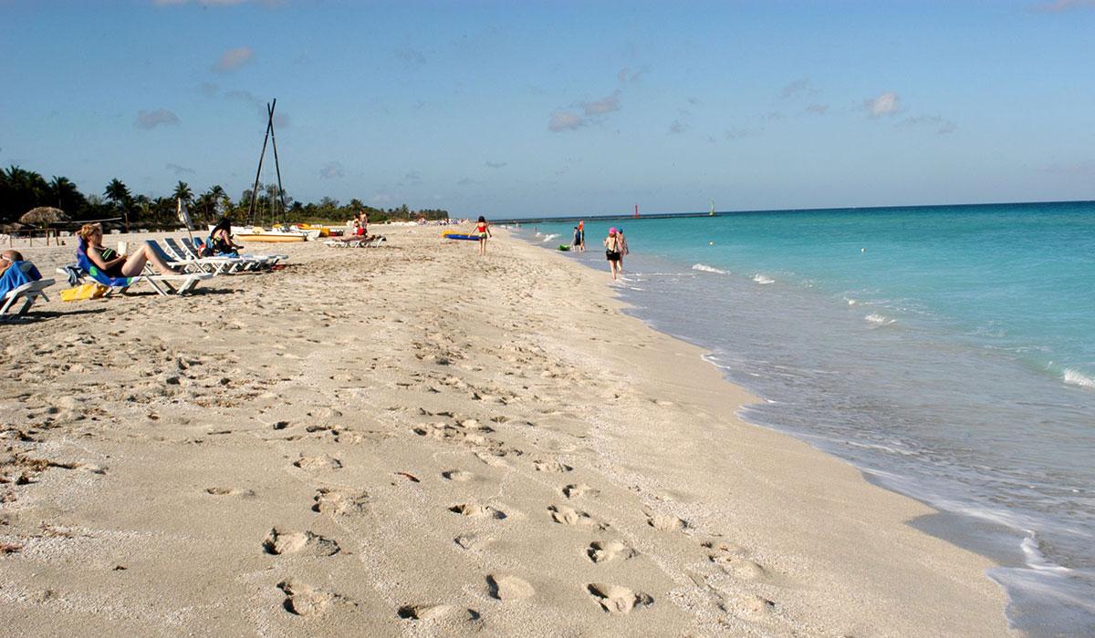 Hotel Playa Caleta - Beach