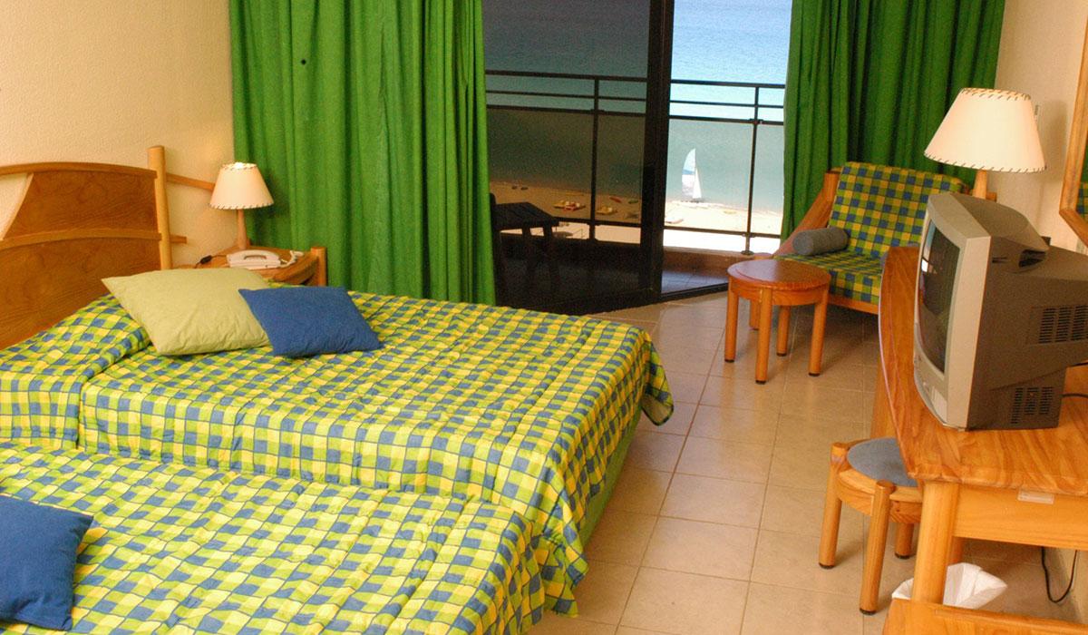 Hotel Playa Caleta - Pool