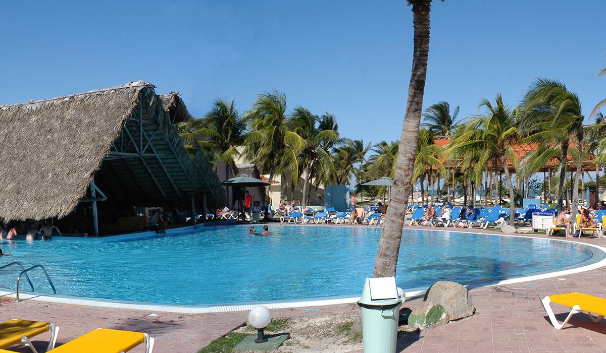 Hotel Brisas Santa Lucia - Piscina