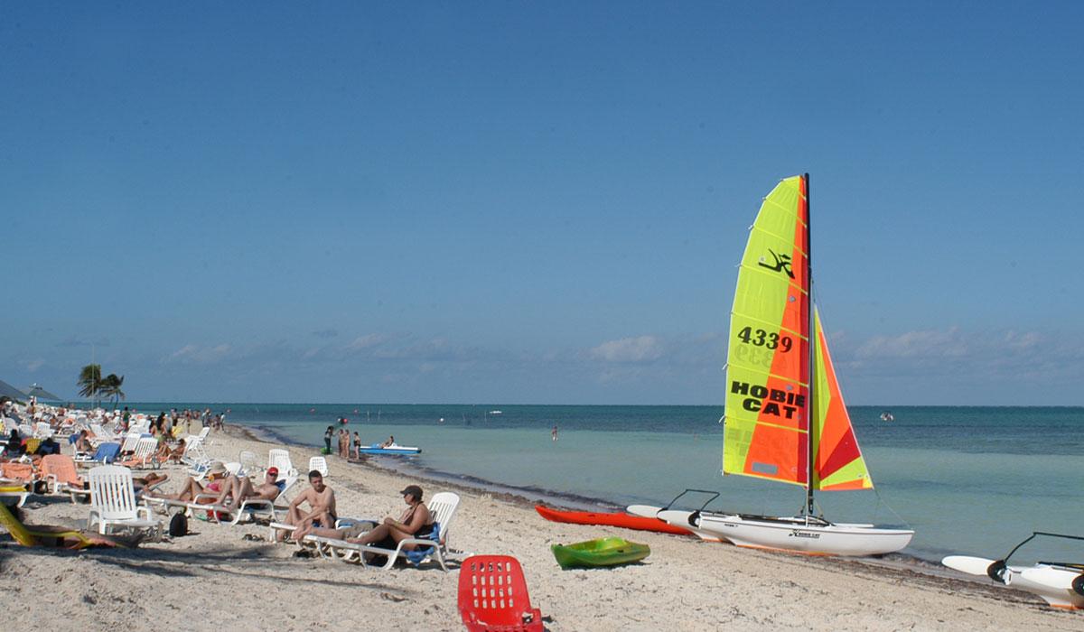 Hotel Brisas Santa Lucia - Beach
