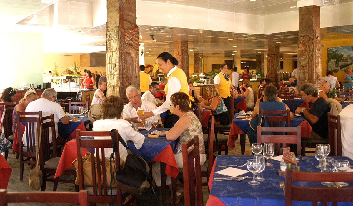 Hotel Brisas Santa Lucia - Restaurante