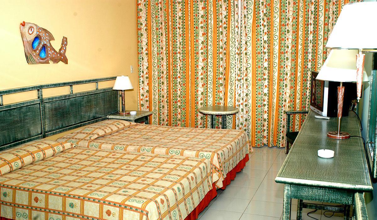 Hotel Brisas Santa Lucia - Habitación