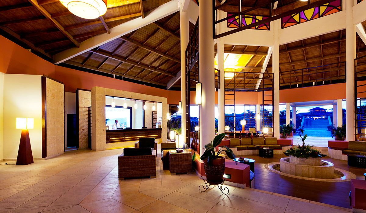 Hotel Memories Flamenco Beach Resort - Lobby