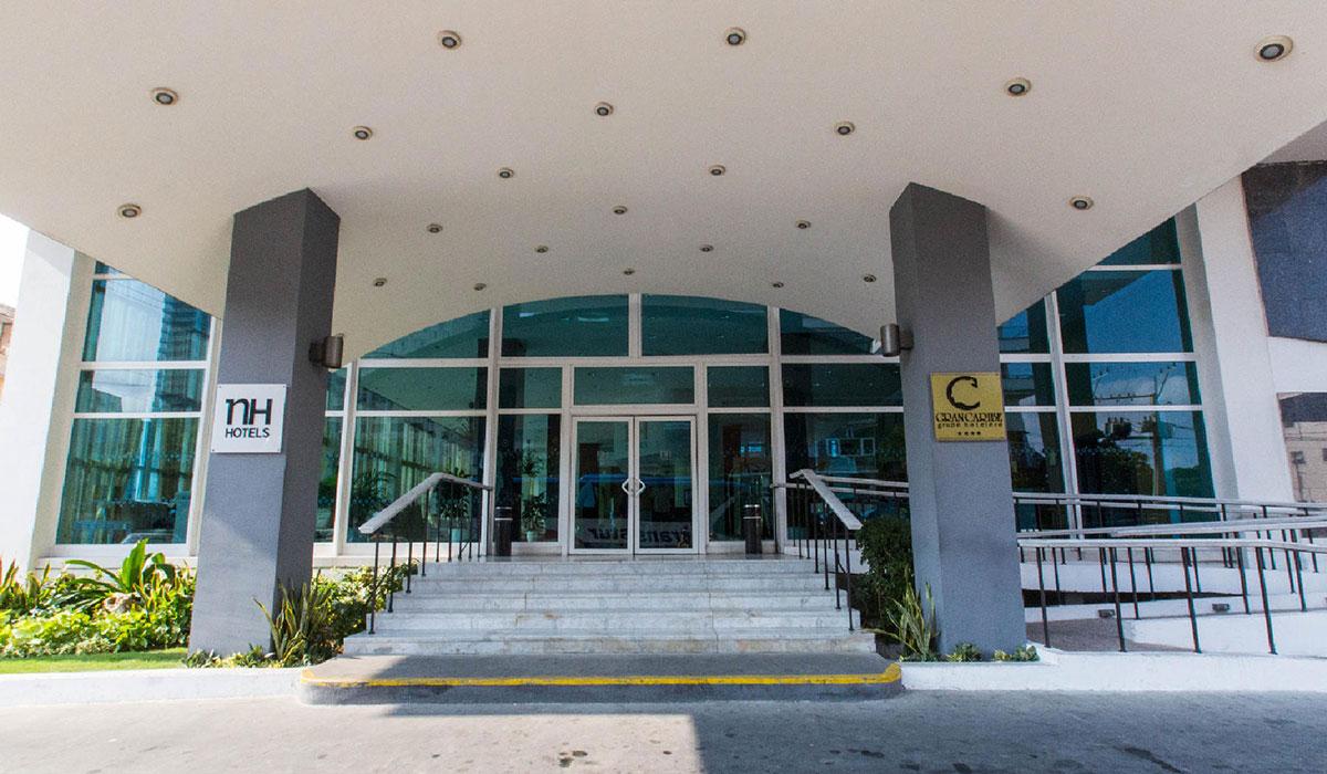 Hotel NH Capri - Entrada