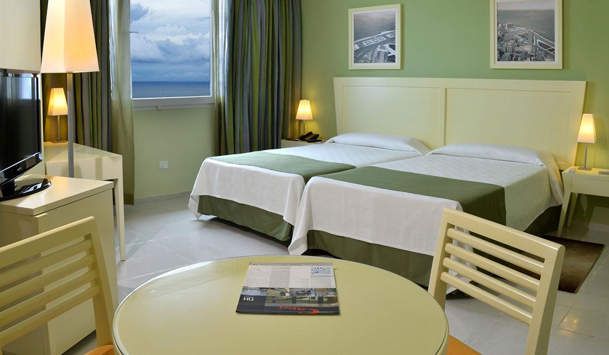 Hotel NH Capri - Habitación