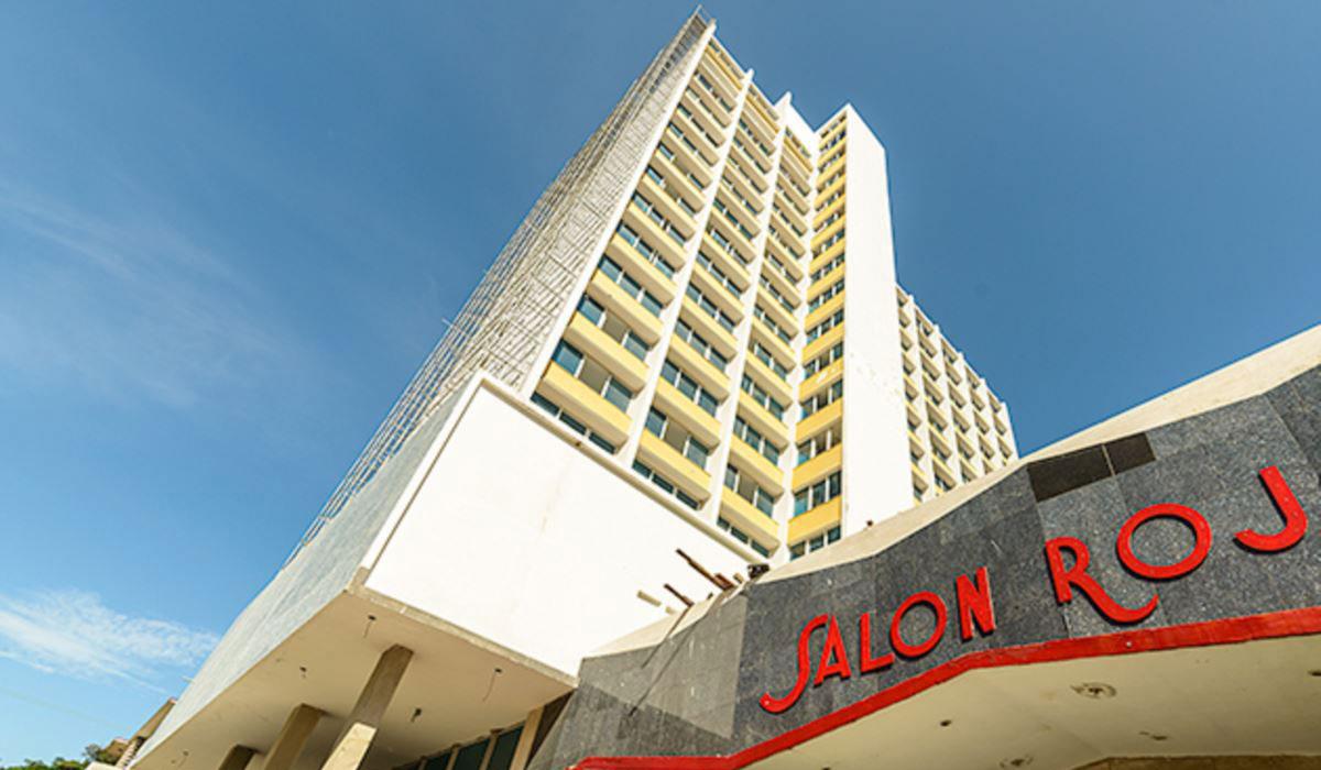 Hotel NH Capri - Salon Rojo cabaret