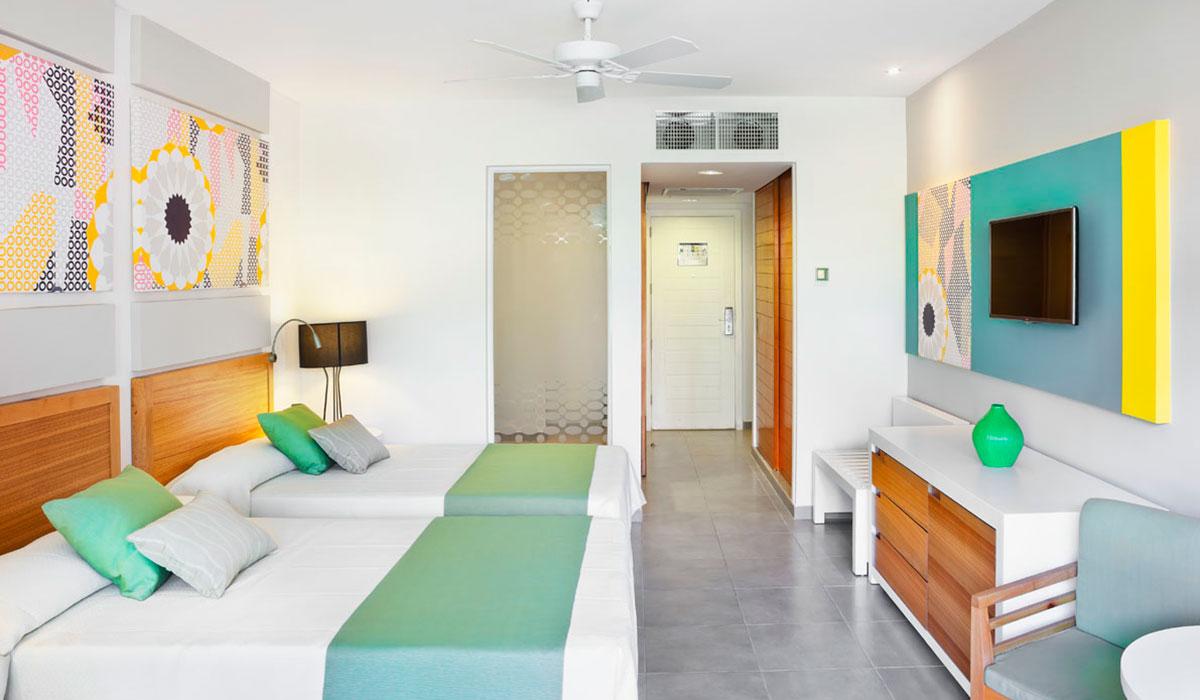 Hotel Ocean Vista Azul - Habitación