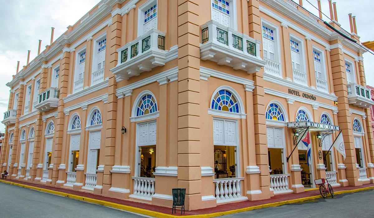 Hotel Ordoño - Facade