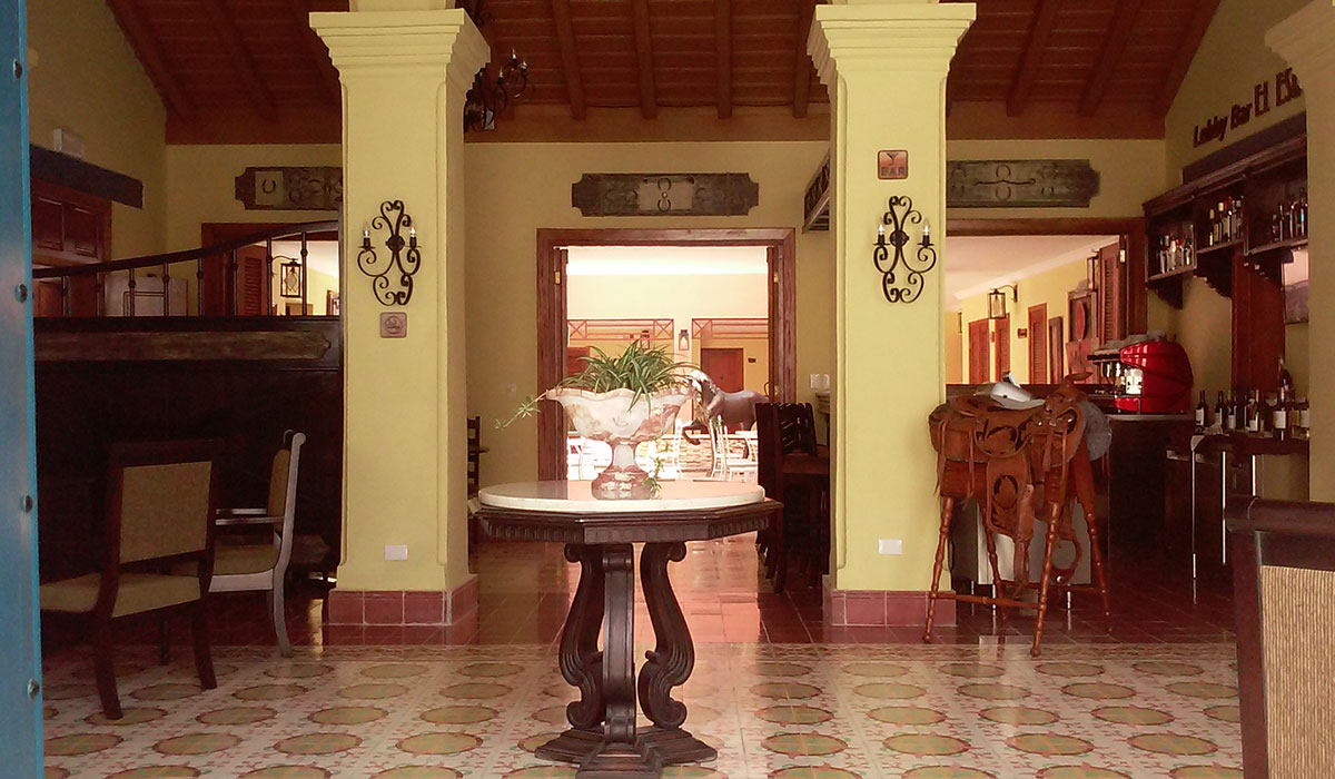 Hotel Encanto Caballeriza - Entrance