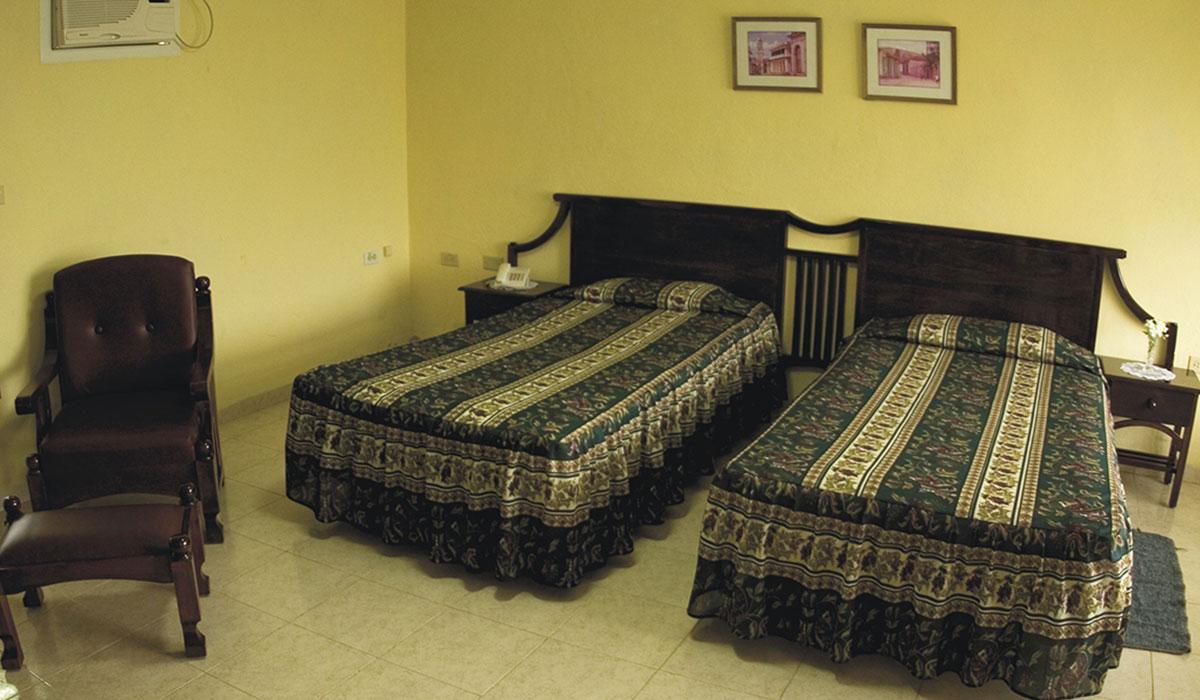 Hotel Los Laureles - Room