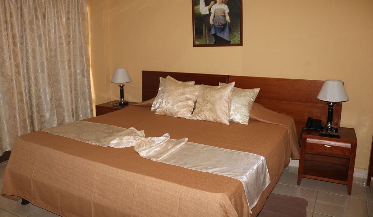 Hotel Las Tunas - Room