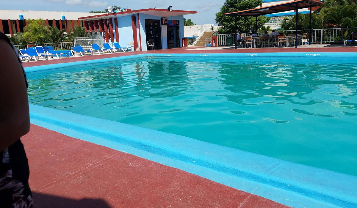 Hotel Las Tunas - Pool