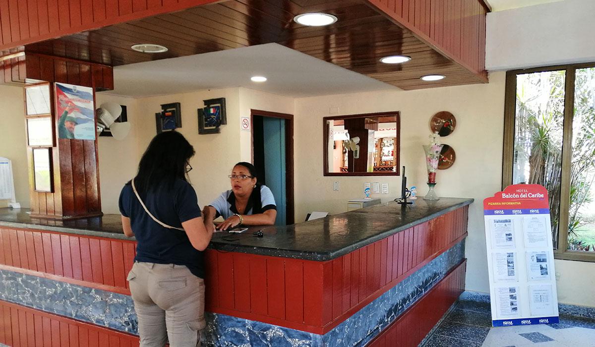 Hotel Balcón del Caribe - Desk