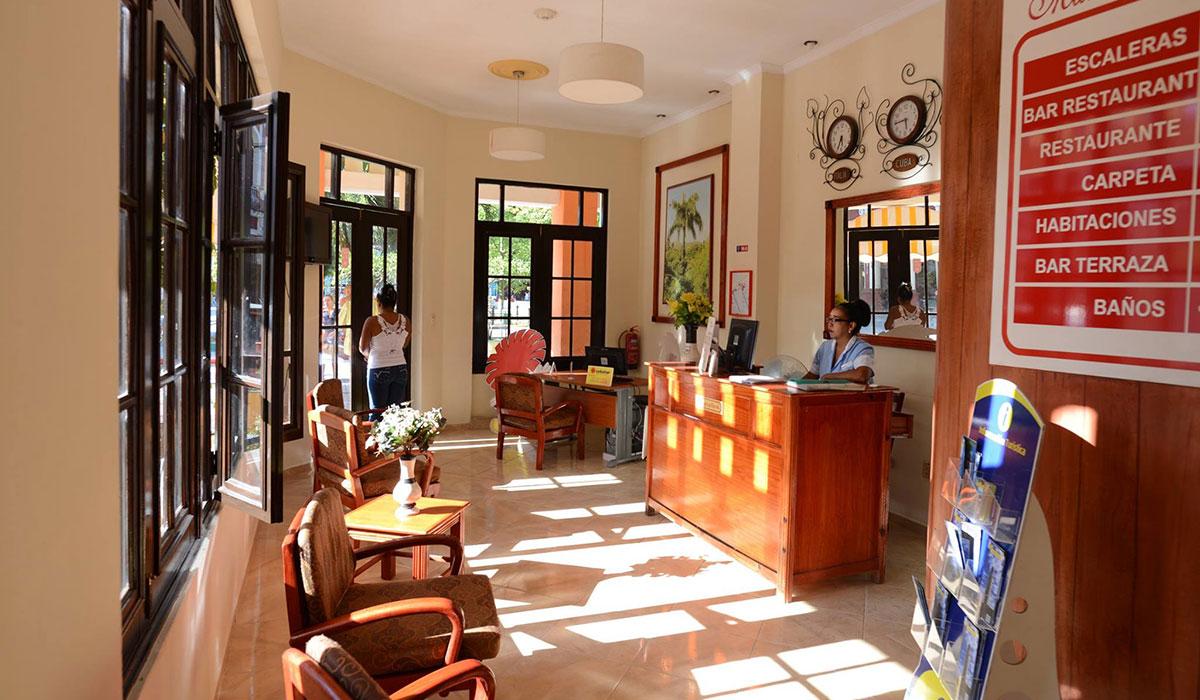 Hotel Martí - Desk