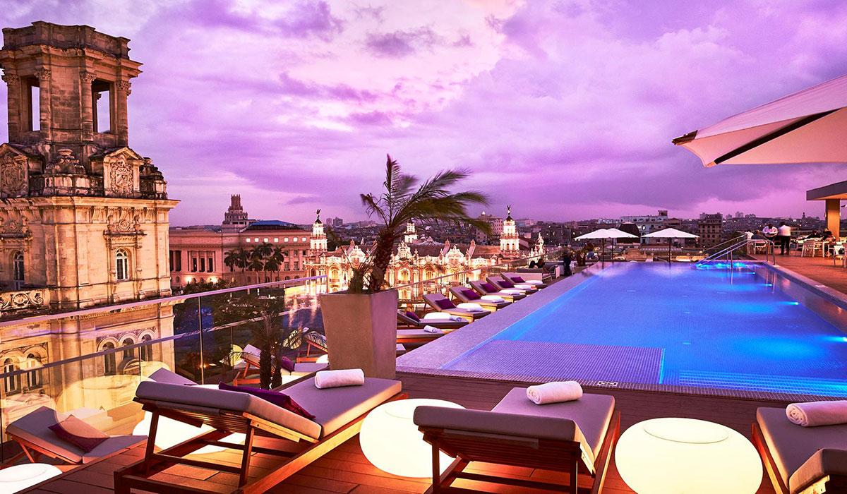 Gran Hotel Manzana Kempinski - Piscina al atardecer