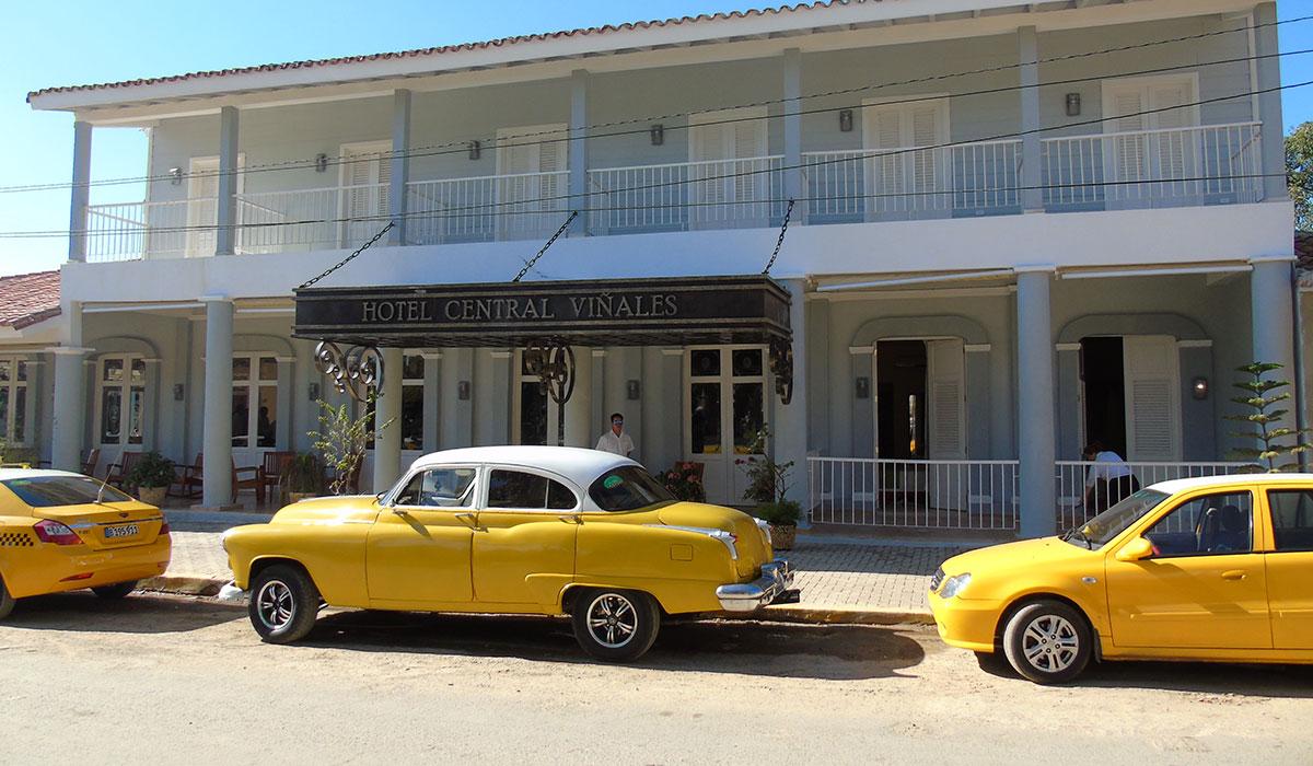 Hotel Encanto Central Viñales - Facade