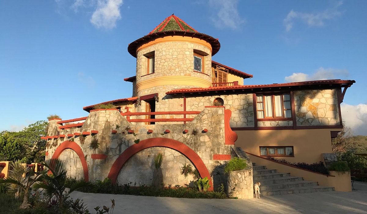 Hotel Castillo en las Nubes - fachada